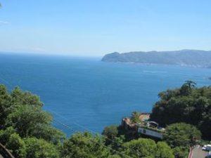 熱海城で海を見る