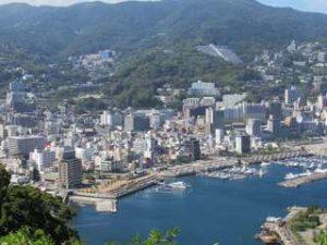 熱海市街地と海