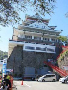 熱海城を下から撮った写真