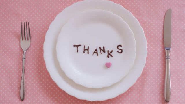 お皿にTHANKSの文字